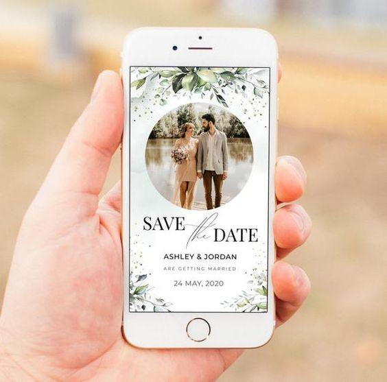 Save the date inviato direttamente online, sullo smartphone di un invitato